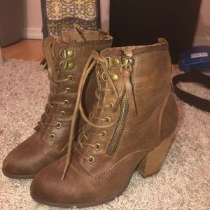 Brown fall boots size 7